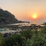 @instagram: Day one ☝️ • • • #india #goa #palolem #palolembeach #sunsets #instasunset #travel #adventuretime #explore #yoga #beachlife #nofilter