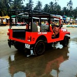 @instagram: I love the Palolem life guard jeep, I want one, it's pretty! ❤  #Lifeguard #Lifeguardjeep #lifeguardpalolem #Palolem #Goa #India #ArabianSea #Redjeep #Jeep #Beachbuggy