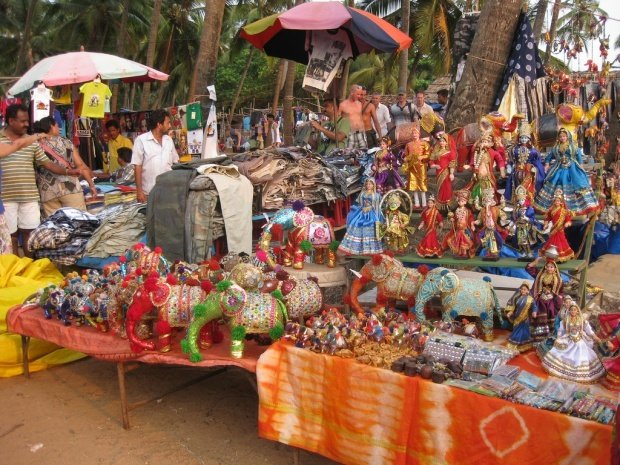 Одежда индийского производства из 100% натуральных материалов отличается  легкостью и комфортом, поэтому редко кто выезжает из Гоа, ... 9b75f1a96c2
